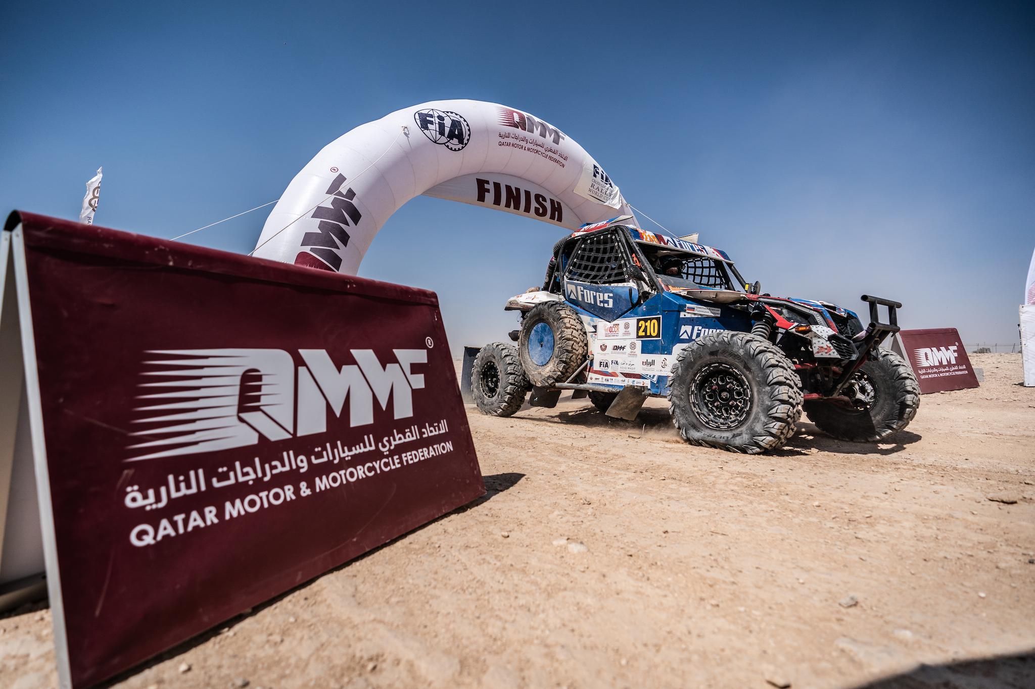 Через сложности к важным очкам в Кубке мира – итоги Manateq Qatar Cross-Country Rally для Алексея Шмотьева и Андрея Рудницкого