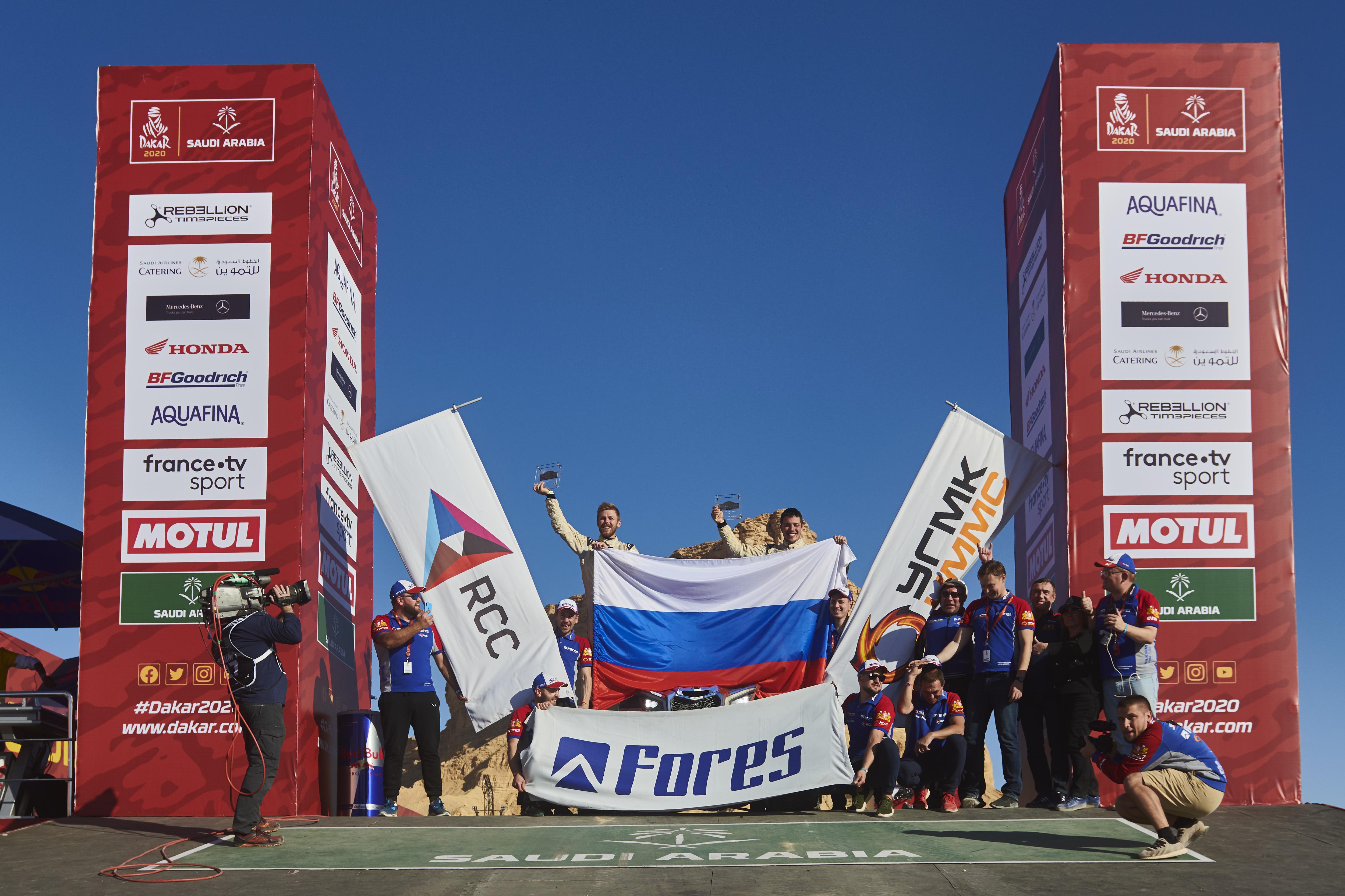 Сергей Карякин и Антон Власюк – серебряные призёры марафона Dakar 2020, Алексей Шмотьев и Андрей Рудницкий – финишировали в дебютном «Дакаре»