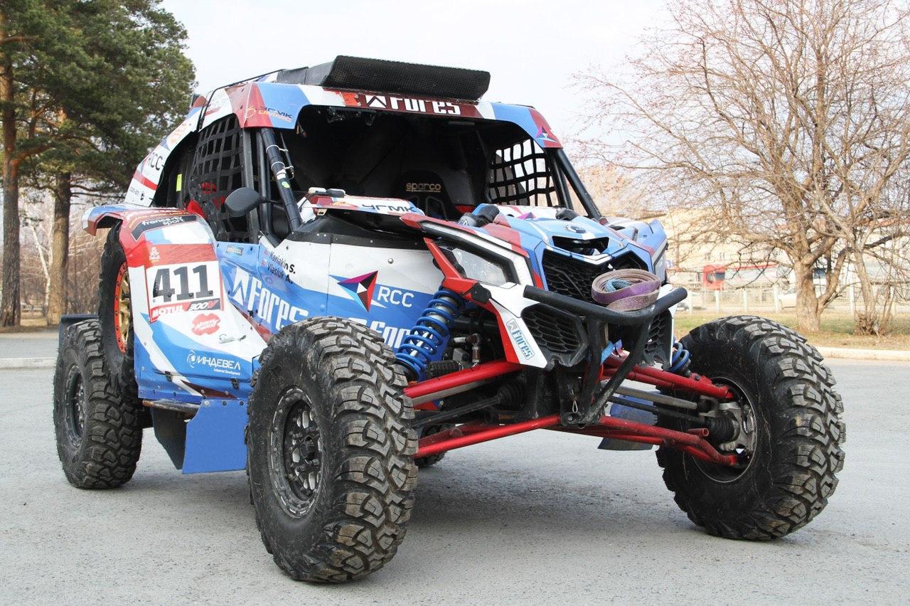 Snag Racing Team продаёт два мотовездехода Can-Am Maverick X3, на которых преодолели трассу Dakar 2020.